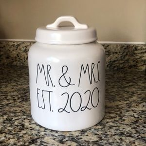 MR. & MRS. EST. 2020 cookie canister